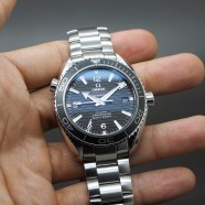 "Omega Seamaster Planet Ocean Automatic Black Ceramic 42 mm ""007 SKYFALL"" Limited Edition"