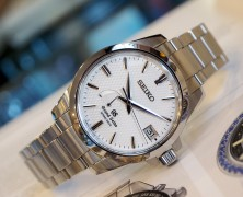 Grand Seiko Spring Drive White Dial 39.4 mm SBGA025