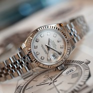 Rolex Datejust Lady Jubilee White Sunbeam Dial Diamond 26 mm Ref.179174 Series G