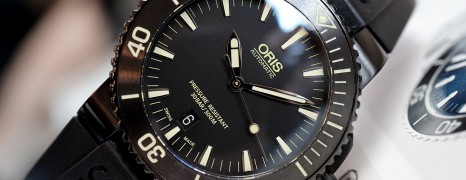 Oris Aquis Date Black DLC Rubber Yellow Marker 43 mm