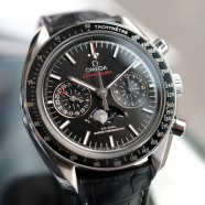 Omega Speedmaster Moonwatch Moonphase Chronograph Master Chronometer 44.25 mm