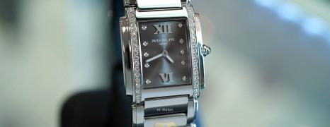 Patek Philippe Twenty~4 4910/10A Eternal Gray Dial 25 x 30 mm (08/2020)