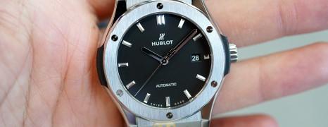NEW!!! Hublot Classic Fusion Titanium Black Dial 42 mm (NEW 04/2021)
