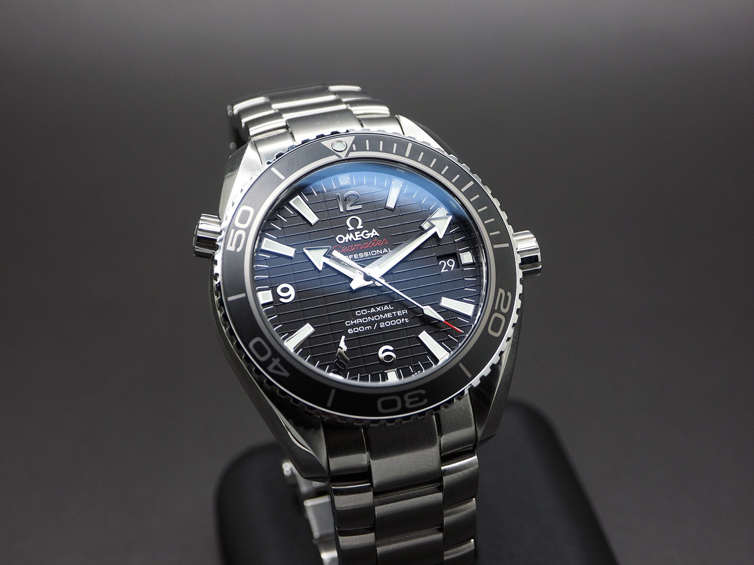 Omega Seamaster Planet Ocean Automatic Black Ceramic 42 mm 007 SKYFALL Limited Edition 1