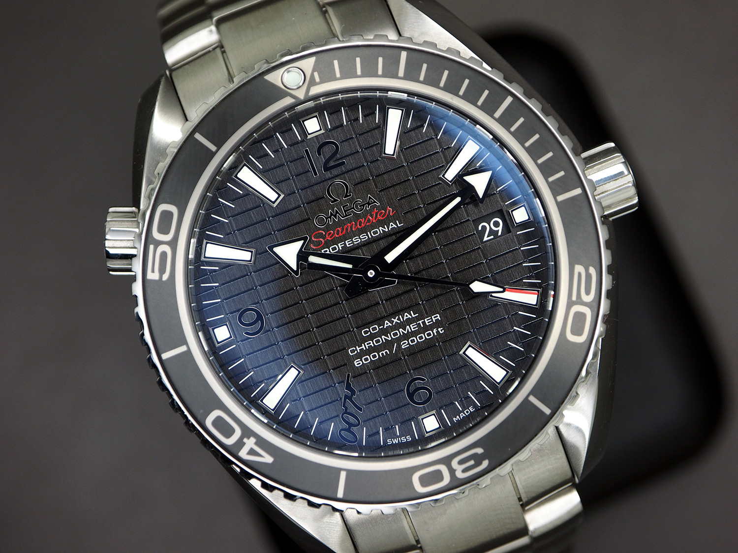 Omega Seamaster Planet Ocean Automatic Black Ceramic 42 mm 007 SKYFALL Limited Edition 6