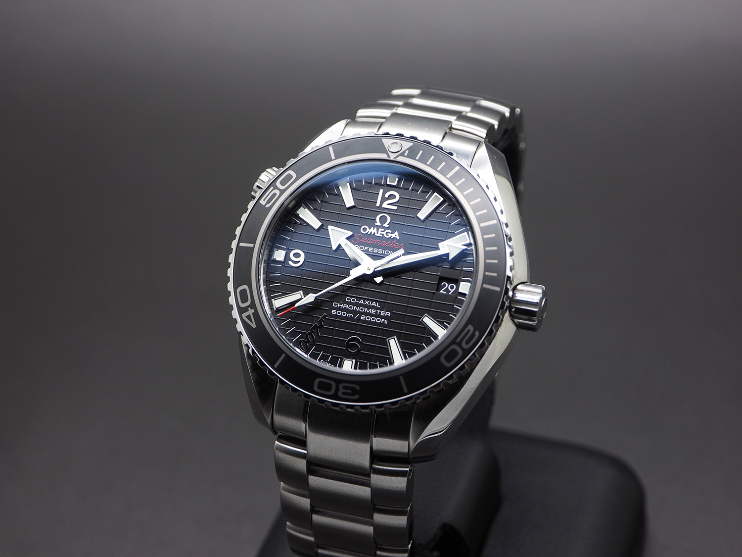 Omega Seamaster Planet Ocean Automatic Black Ceramic 42 mm 007 SKYFALL Limited Edition 9