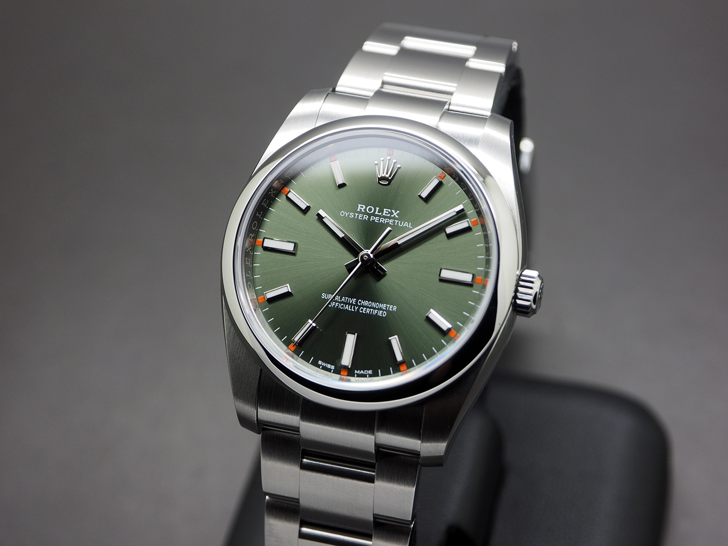 Rolex Oyster Perpetual Olive Green Dial 34 Mm Ref 114200