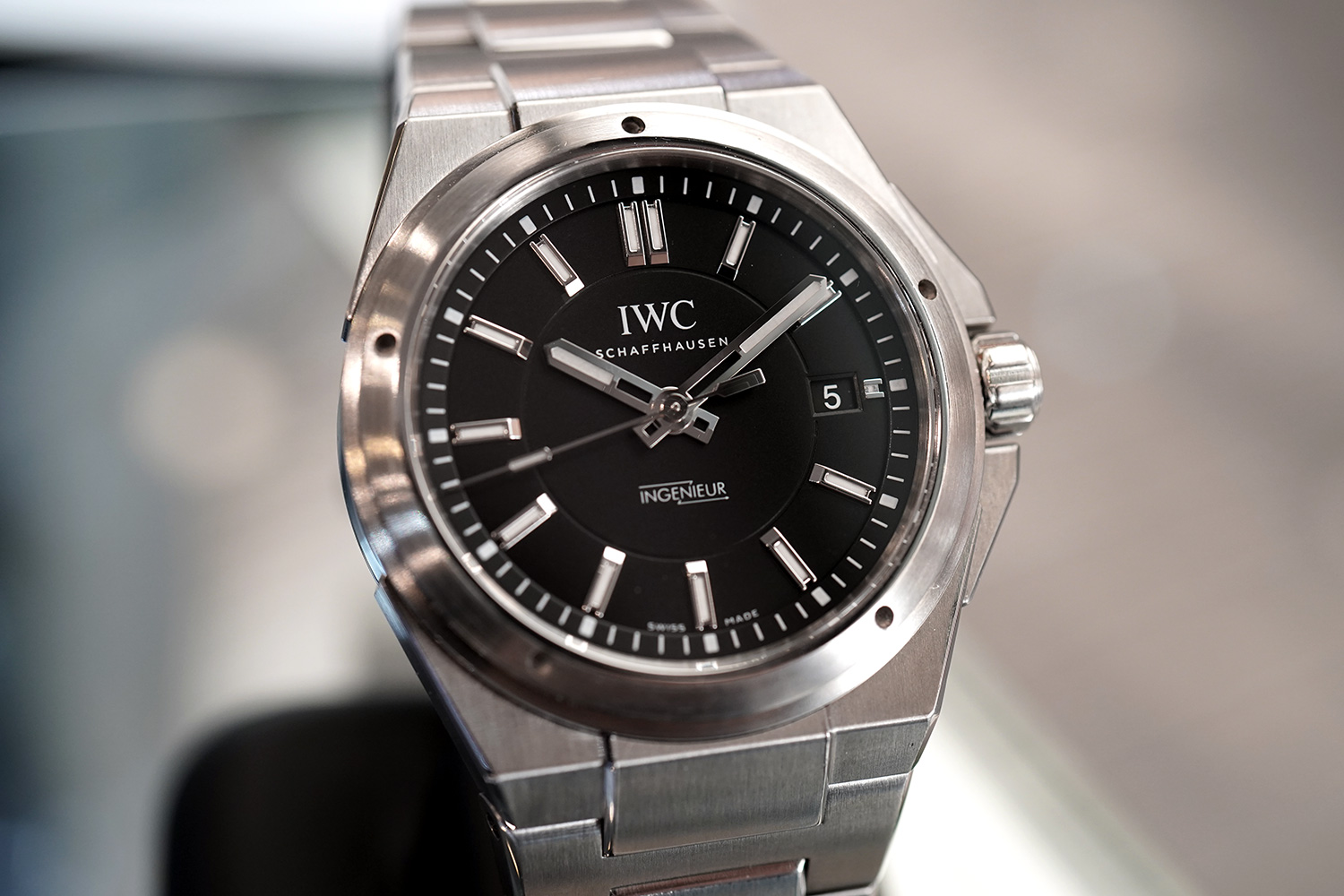 low priced d50da 21f35 IWC Ingenieur IW323902 Automatic Black Dial 40 mm Ref ...