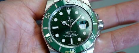 Rolex Submariner Date Green Ceramic 116610LV 40 mm (The Hulk) (03/2016)